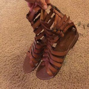 Aldo Sandals size 6
